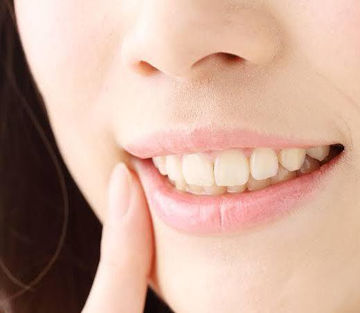 ギザギザ 前歯